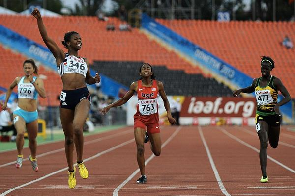 Sabrina Bakare; Olivia Baker; Tiffany James in the girls' 400m Final at the IAAF World Youth Championship 2013 (Getty Images)