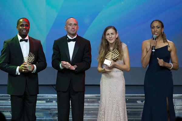 Dwight Phillips, Alberto Salazar, Mary Cain with their awards at the 2013 World Athletics Gala (IAAF)