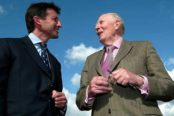 Lord Sebastian Coe with Sir Roger Bannister - Oxford 6 May 2004 (Getty Images)