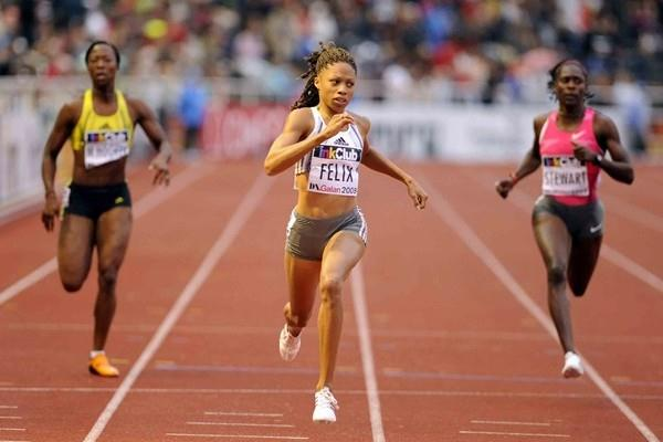 Dominating 21.88 dash for Allyson Felix in Stockholm (Hasse Sjögren)