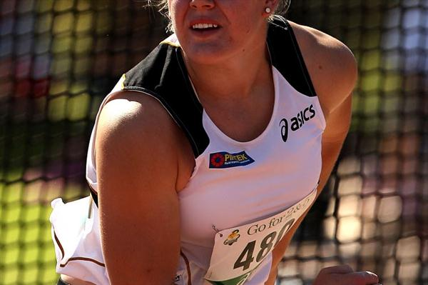 Dani Samuels takes her sixth straight national discus title (Getty Images)