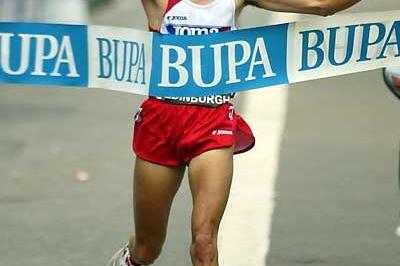Spain's Juan de la Ossa wins the 10km in Edinburgh (Mark Shearman)
