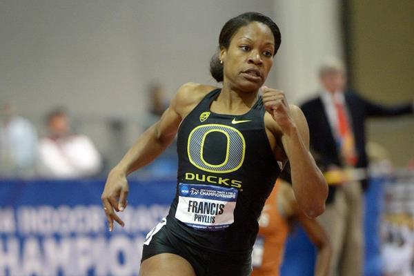 Phyllis Francis winning the 400m at the 2014 NCAA Indoor Championships (Kirby Lee)