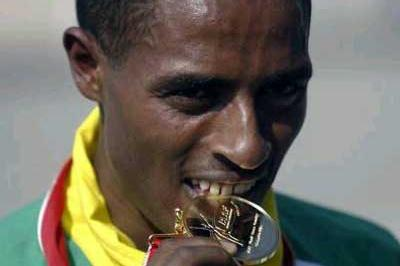 Bekele tastes second Lausanne World Cross gold (Getty Images)