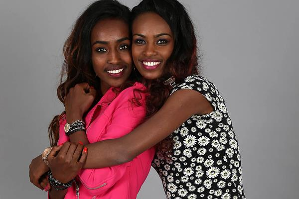 Genzebe Dibaba with younger sister Anna (Giancarlo Colombo / IAAF)