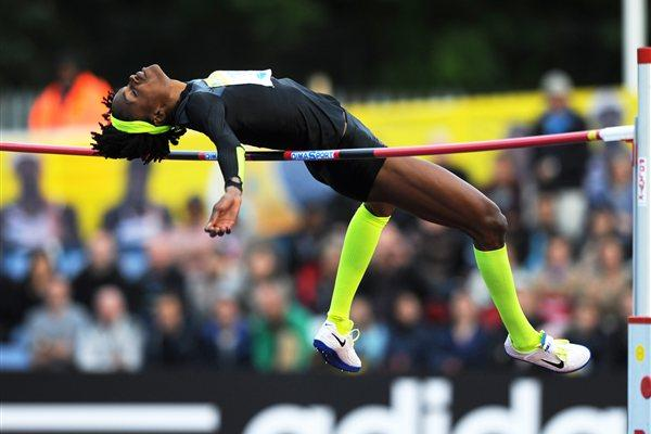 Chaunte Lowe clears 2.00m in Crystal Palace (Mark Shearman )