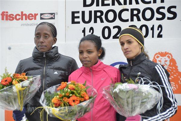 Diekirch women's podium: runner-up Etenesh Diro, winner Almensh Belete and Fatiha Benchatki (Rosch Kohl)