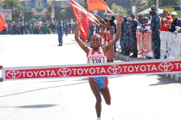 Wude Ayalew defends her Great Ethiopian Run title in Addis Ababa (Nahom Tesfaye)