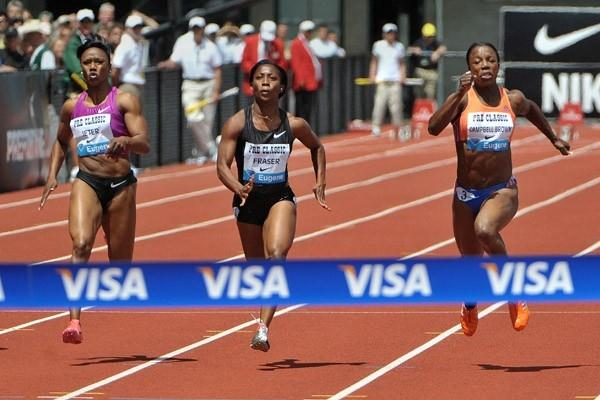 Veronica Campbell-Brown beats Shelly-Ann Fraser and Carmelita Jeter in the 100m at the Prefontaine Classic (Kirby Lee)