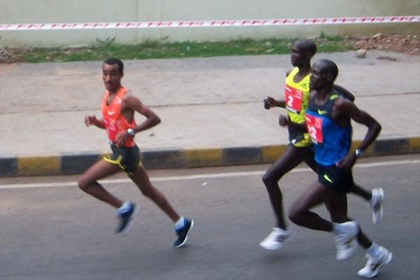 Deriba Merga midway through the Sunfeast World 10k in Bangalore (Ram. Murali Krishnan)
