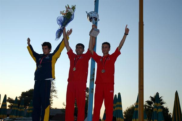 The junior men's podium at the 2011 World Mountain Running Championships in Tirana: Saul Padua Rodriquez (COL), Adem Karagoz (TUR) and Murat Orak (TUR) (Nancy Hobbs)