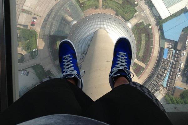 Aries Merritt at the Shanghai Pearl Tower - May 2013 (Aries Merritt)