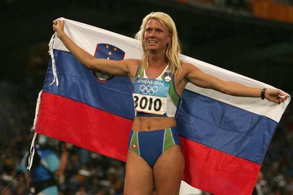 Jolanda Ceplak of Slovenia celebrates winning bronze in the 800m (Getty Images)
