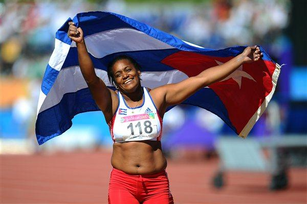 Yipsi Moreno celebrates her third straight Pan Am title in Guadalajara (Getty Images)
