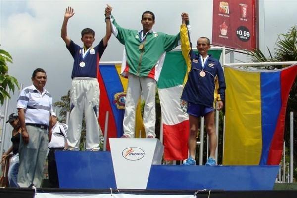 Men's 50km podium at the Pan American Race Walking Cup in San Salvador - Cristian Berdeja (c) with Mesias Zapata and Rodrigo Moreno (organisers)