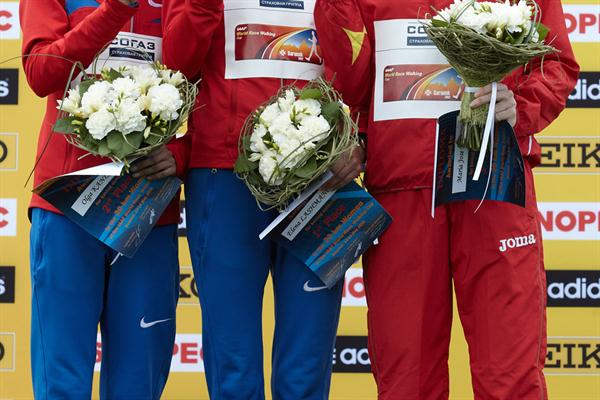 The women's 20km podium: Elena Lashmanova, Olga Kaniskina and Maria José Poves (Getty Images)