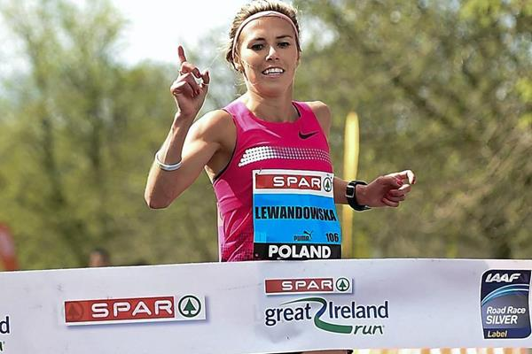Iwona Lewandowska wins the Great Ireland Run (Sportfile)