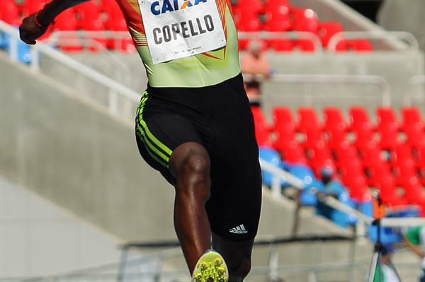 Cuban Alexis Copello in the Triple Jump in Rio (Wágner Carmo CBAt)