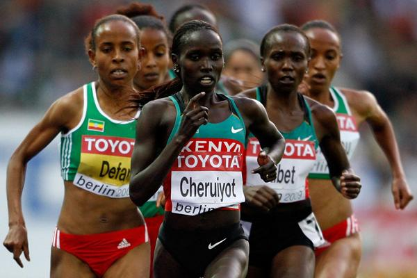 (L-R) Meseret Defar of Ethiopia, Kenyan's Vivian Cheruiyot and Sylvia Kibet in the women's 5000m final (Getty Images)