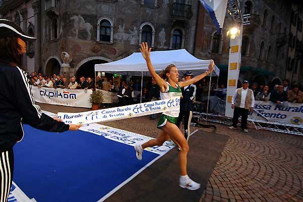 Italy's Bruna Genovese wins in Trento (c)