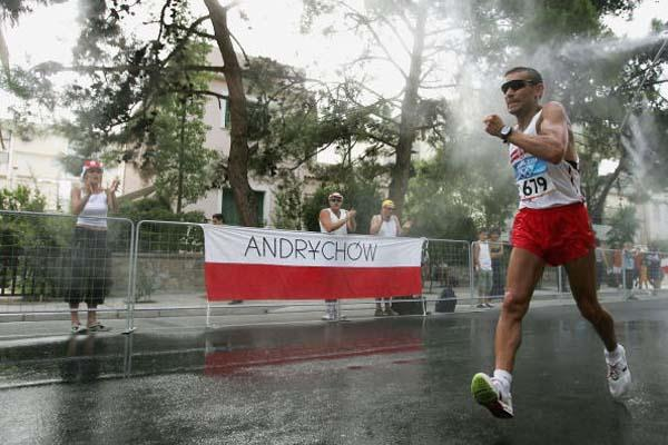 Robert Korzeniowski in action in the 50km walk (Getty Images)