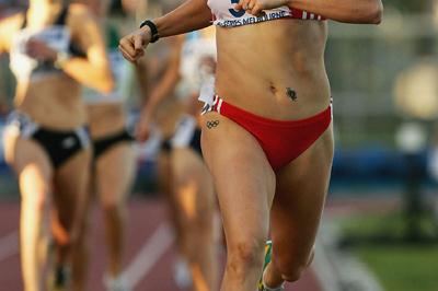 Jana Pittman wins the 800m at the Melbourne IAAF GP II (Getty Images)