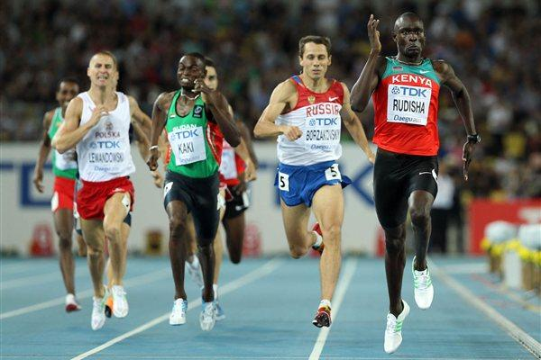 David Rudisha on his way to a commanding win in the 800m final (Getty Images)