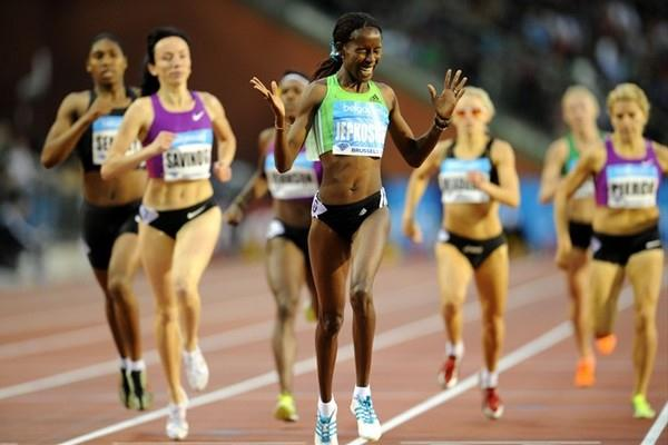 The smile says it all - With her victory in Brussels Janeth Jepkosgei captures the 800m Diamond Race Trophy (Jiro Mochizuki)