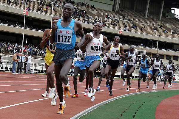 Moses Mosop leading the 10,000m at the Kenyan World Championships Trials which he won (Okoth)