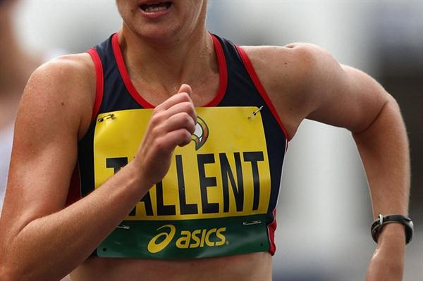 Claire Tallent en route to the 2010 Australian 20Km title in Hobart (Getty Images)