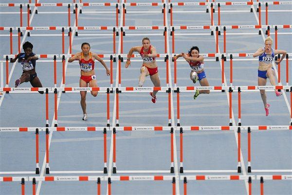 Athletes compete on the Women's 100 metres hurdles Final on day six of the 14th IAAF World Junior Championships in Barcelona on 15 July 2012 (Getty Images)