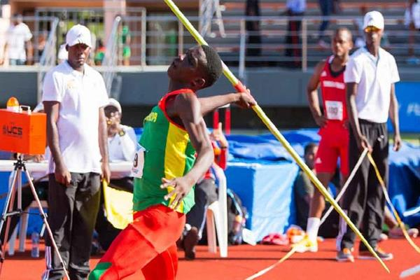 Anderson Peters at the 2016 CARIFTA Games (Organisers)