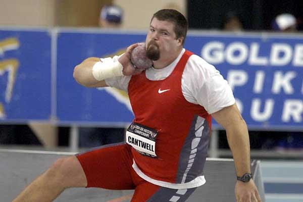 Christian Cantwell puts in the 2004 USATF Indoors (Kirby Lee)
