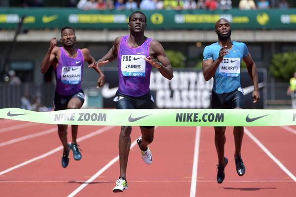Kirani James winning the 400m at the IAAF Diamond League meeting in Eugene (Kirby Lee)