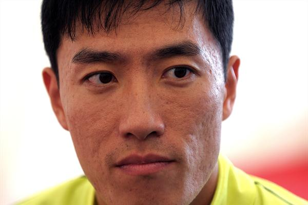 Liu Xiang meets the press in London (Mark Shearman)