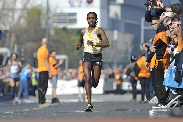 Tadelech Bekele winning the women's race at the 2014 Berlin Half Marathon  (SCC Events / Petko Beier)