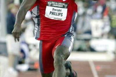 Dwight Phillips long jumps to US national win (Getty Images)