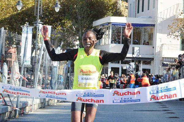 Mercy Kibarus winning the Marseille Cassis (Yannick Parienti / SCO Ste Marguerite)