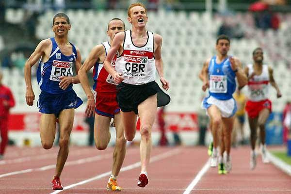 John Mayock comes home in the 5000m at the 2004 European Cup (Getty Images)