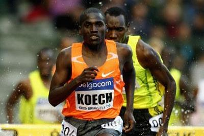Paul Kipsiele Koech of Kenya on his way to victory in the 3000m Steeplechase (Getty Images)