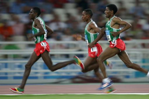 Sileshi Sihine, Kenenisa Bekele and Haile Gebrselassie in action in the men's 10,000m (Getty Images)