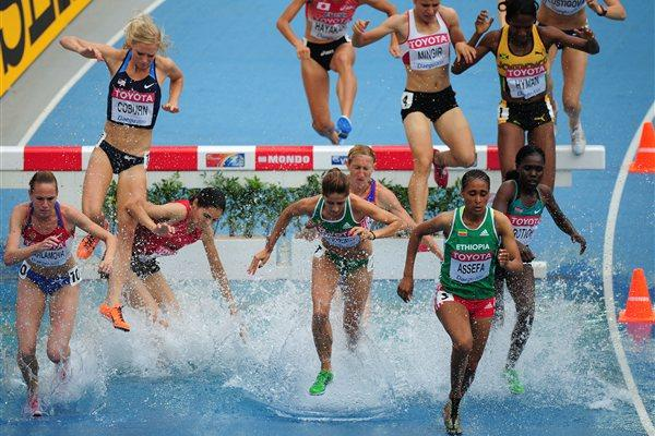 Sofia Assefa keeps out of trouble in the opening round of the women's Steeplechase in Daegu (Getty Images)