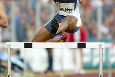 Felix Sanchez on his way to 400m Hurdles win in Ostrava (Getty Images)