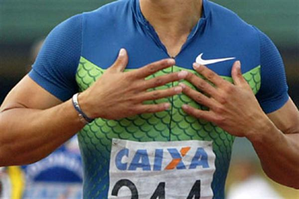 Andrés Silva of Uruguay taking the South American 400m title (Wander Roberto de Oliveira/CBAt)