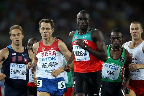 David Lekuta Rudisha (C) of Kenya leads ahead of (L-R) Nick Symmonds of United States, Yuriy Borzakovskiy of Russia, Abubaker Kaki of Sudan and Marcin Lewandowski of Poland in the men's 800 metres final (Getty Images)