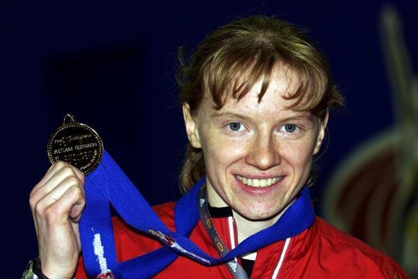 Svetlana Feofanova shows off her first ever world championships medal (Getty Images)