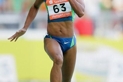 Sherone Simpson en route to a 10.88 victory in Stuttgart (Getty Images)