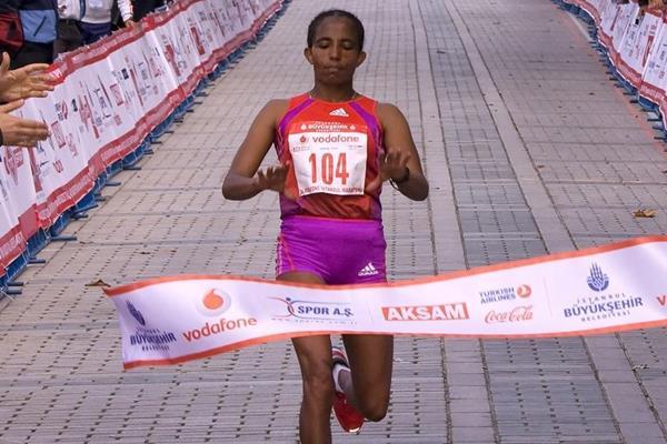Koren Jelela winning in Istanbul (Istanbul Marathon organisers)