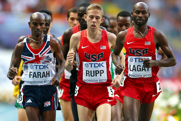 Bernard Lagat leads the 5000m final at the IAAF World Championships Moscow 2013 (Getty Images)