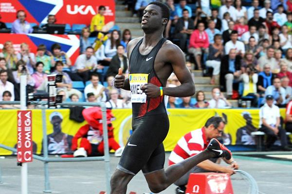 Kirani James cruises to a world-leading 44.61 in London (Mark Shearman)